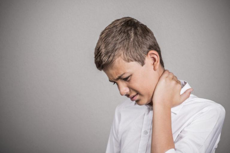У ребёнка болит спина